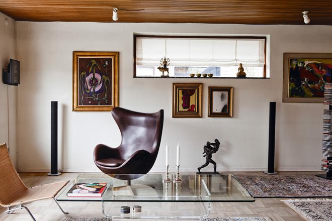 丸みを帯びたエッグチェアのシェル・デザイン。完璧なフォルムを追い求めたヤコブセンの渾身のデザインは、半世紀以上にわたって世界中から愛されている。