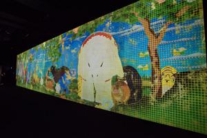 「Nirvana」 伊藤若冲の「鳥獣花木屏風図」や「樹花鳥獣屏風図」をモチーフとした巨大なアニメーション作品(高さ約5m×幅約20m)。