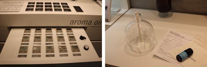 """(左)アロマオイルを繊細な配分で調香できるアロマオイルブレンダー。ブレンドした試作もアロマシャワーでその都度確認できる。 (右)""""クリスマスの楽しいホームパーティ""""をテーマにブレンド。気分を明るくし、好みが分かれないオレンジ2.4ml、ローズのような華やかさがあるゼラニウム1.2ml、すっきり感とXmasにぴったりのモミ1.4mlを配合したオリジナルアロマ5ml。ブルーのボトル、ブルーのラベルをセレクト。このレシピを持って行けば次回からはブレンドオイルの料金のみで制作。"""
