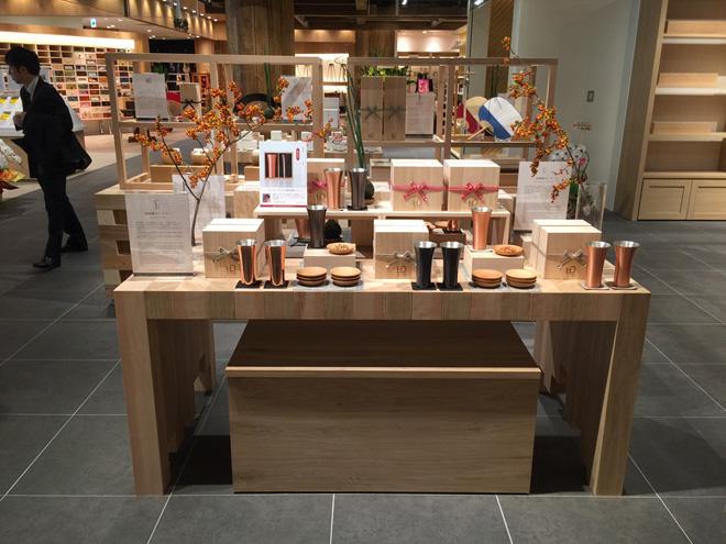 メイド・イン・ジャパンが誇るモノづくりへの伝統技術を活かした商品を扱う「WDH」。浅草の「まるごとにっぽん」に12月にオープンしたばかり。