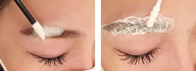 (左)エクステをつける前に眉毛をシャンプー。眉毛から余計な油分と汚れを落とす。 (右)眉毛エクステのデザインによってはヒフぎりぎりにグルーをつけることもあるのでプロテクションクリームを塗布し、拭き取る。ヒフを保護するだけでなく、グルーのつきも良くなる。施術者は水島さんのみ。