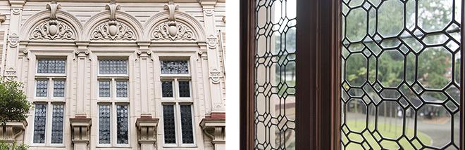 外観には、ジャコビアン様式の華麗な装飾が施され、ガラスにはステンドグラスや幾何学模様を採用している。