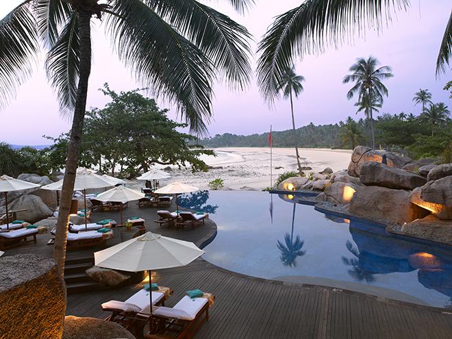 南シナ海の絵のような美しい景観に囲まれて、静けさの中に佇むバンヤンツリー・ビンタン。