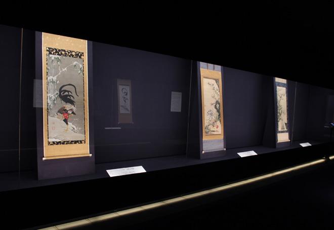 伊藤若冲の作品が展示されている4階展示室。