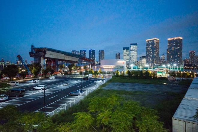 未来都市を思わせる豊洲エリア。