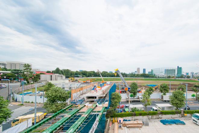 明治神宮外苑の新国立競技場の工事現場。隈研吾氏によるスタジアムが完成します。