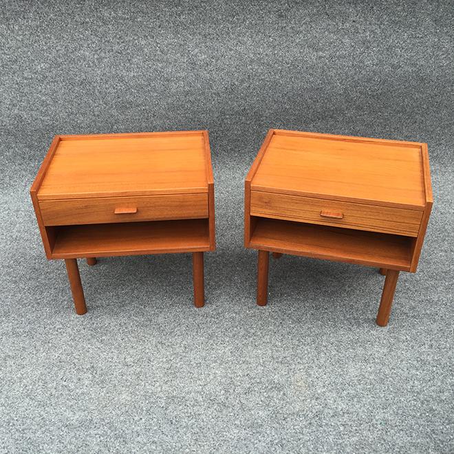 ベッドサイドテーブル ものが落ちにくいようテーブルトップにエッジを効かせるなど、ちょっとした工夫がうれしいサイドテーブル。 サイズ:W480・D370・H475 ㎜ 参考価格:180,000 円(税別)