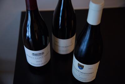ワインはフランス中心。料理とのペアリングもオーダーできる。