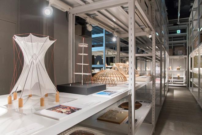 斎藤公男氏と日建設計による、テンセグリティ・フラワーの模型。