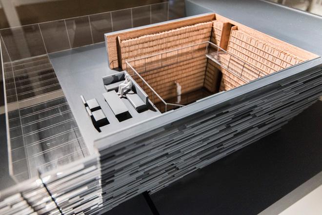 隈研吾氏のレイクハウスの模型。素材の様子までも表現されている。