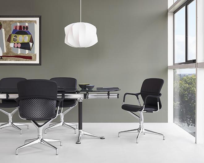 快適に座り続けられ、集中力の持続を可能にしたキーンチェア。