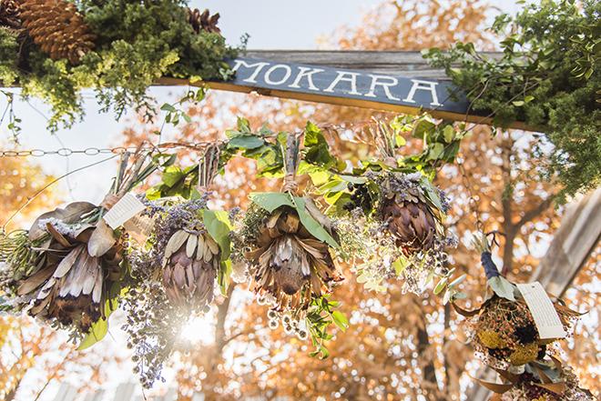 「MOHARA」のドライフラワー。アンティークカラーが印象的。