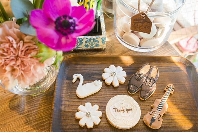 デザインをオーダーできるアイシングクッキーはプレゼントにも人気。