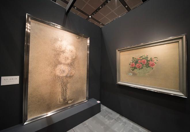 丸栄堂の展示は、日本画家、高山辰雄の没後10年を記念した「日月星辰」。「牡丹 洛陽の朝」など日本画の大作が並ぶ。