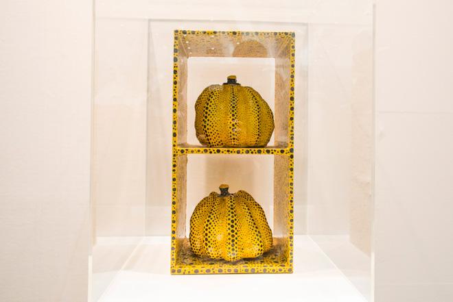 国立新美術館で大規模個展を開催中でもある草間彌生。「南瓜」の作品はSAKURADO FINE ARTSからの出品。