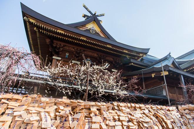 学問の神様と知られる菅原道真公を祀っているので、受験のこの時期には絵馬がたくさん。
