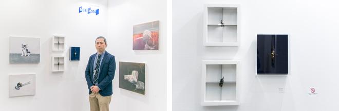 (左)キュレーションを担当した小澤慶介氏。(右)昆虫がテーマのMrs.Yukiの「untitled」の作品。