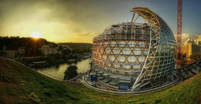 ラ・セーヌ・ミュジカル(フランス、パリ近郊/2017) 設計:Shigeru Ban Architects Europe  (C)Nicolas Grosmond