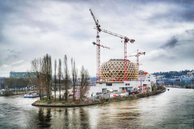 ラ・セーヌ・ミュジカル(フランス、パリ近郊/2017)設計:Shigeru Ban Architects Europe  (C)Nicolas Grosmond
