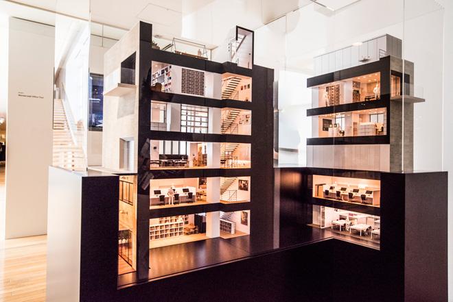 「Room 1」では、「ワンダーウォール・オフィス・ツアー」として、映像と模型でオフィスの様子を紹介。