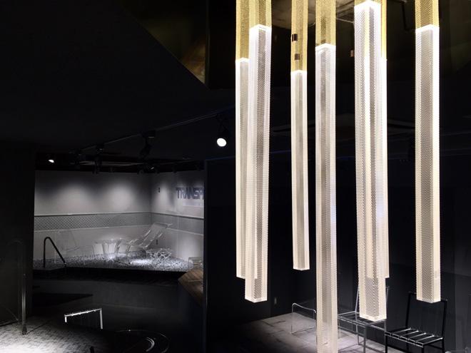 透明家具はモダンな印象はもちろん、ほどよい抜け感も演出してくれるアイテム。 Photo_Nacása & Partners Inc. FUTA Moriishi