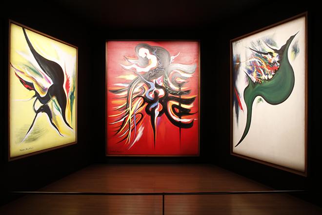 岡本太郎がかかわった建築プロジェクトを紹介した展覧会場。