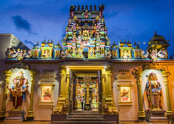 ヒンドゥー教のマハ・マリアマンはインド街にあります。