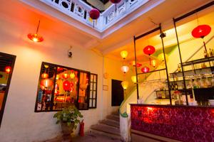 夕食を食べた中国的な雰囲が気漂うレストラン。