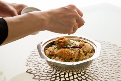 世界各国の料理を学んだ経験をベースに、枠にとらわれない 自由でオリジナリティ溢れるレシピを提案。