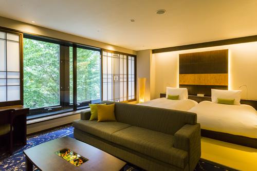 表通りの銀杏並木を間近に感じられるゲストルームも5部屋ある。