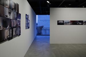 壁にディスプレイされた記録写真からも、「台中メトロポリタンオペラハウス」が、いかに壮大なプロジェクトであることかがわかる。 (C) Nacása & Partners Inc.