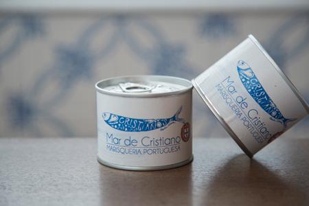 実は自家製缶詰が食べられるのもマル・デ・クリスチアノのお楽しみ。 牛タンのシチュー、アフリカンチキンなど4種類で各500円。