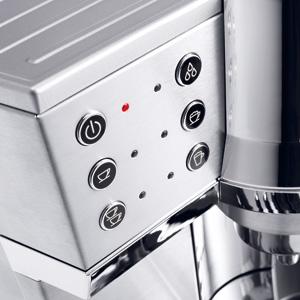 抽出温度(3段階)、オートオフ(15分・75分・3時間)、水硬度(5段階)の設定が可能。手動式にはなかったプログラムモードを搭載している。