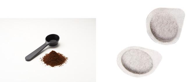 好みの味に細やかに調節できる奥深い「パウダー抽出」(左)と、手軽に本格エスプレッソを味わえる「カフェ・ポッド」(右)にも対応している。