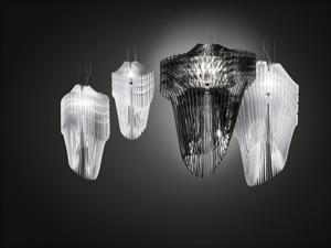 〈アリア&アヴィア・ランプ〉Slamp 2013 (C) Zaha Hadid Architects